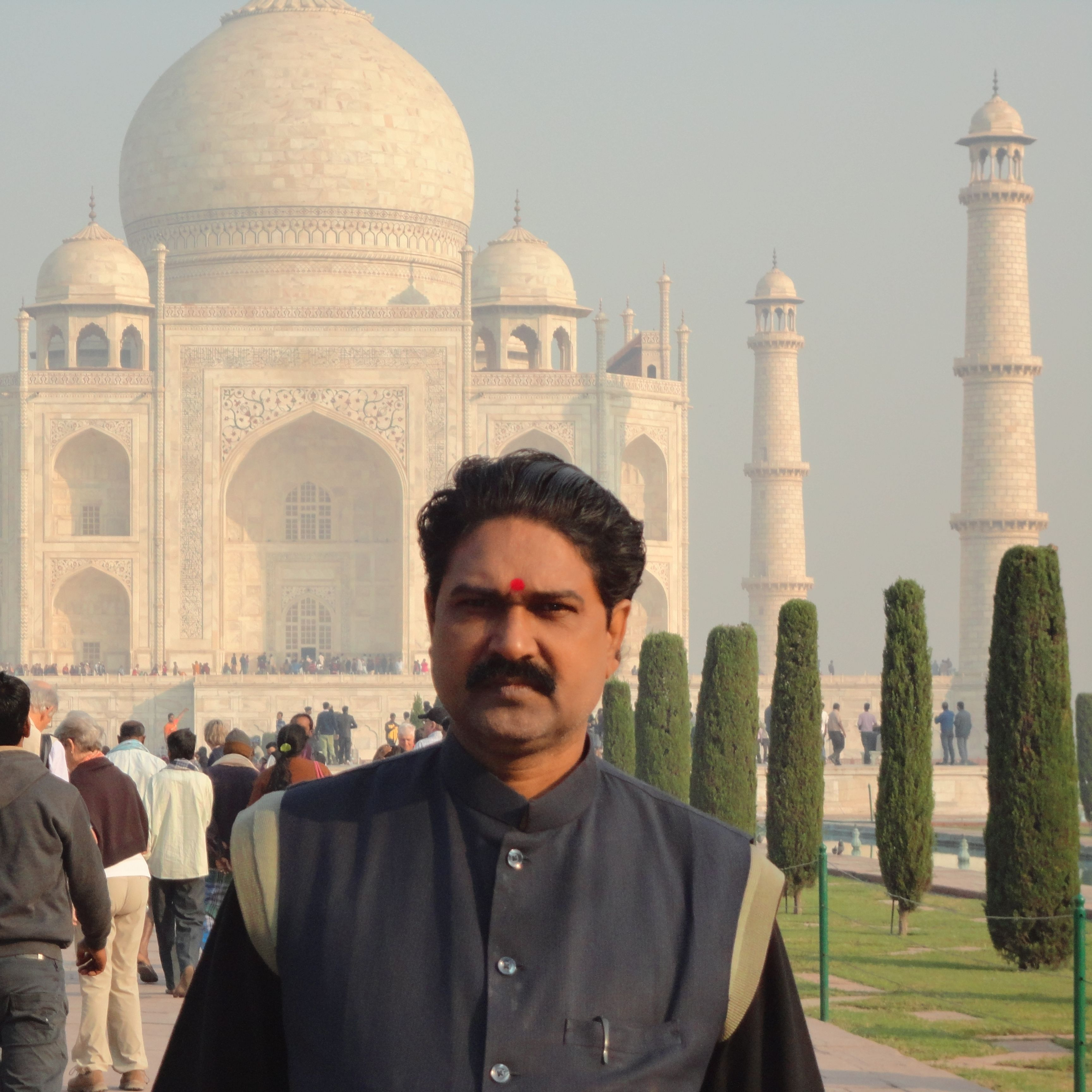 Jyotishacharya Manoj Kumar Mishra