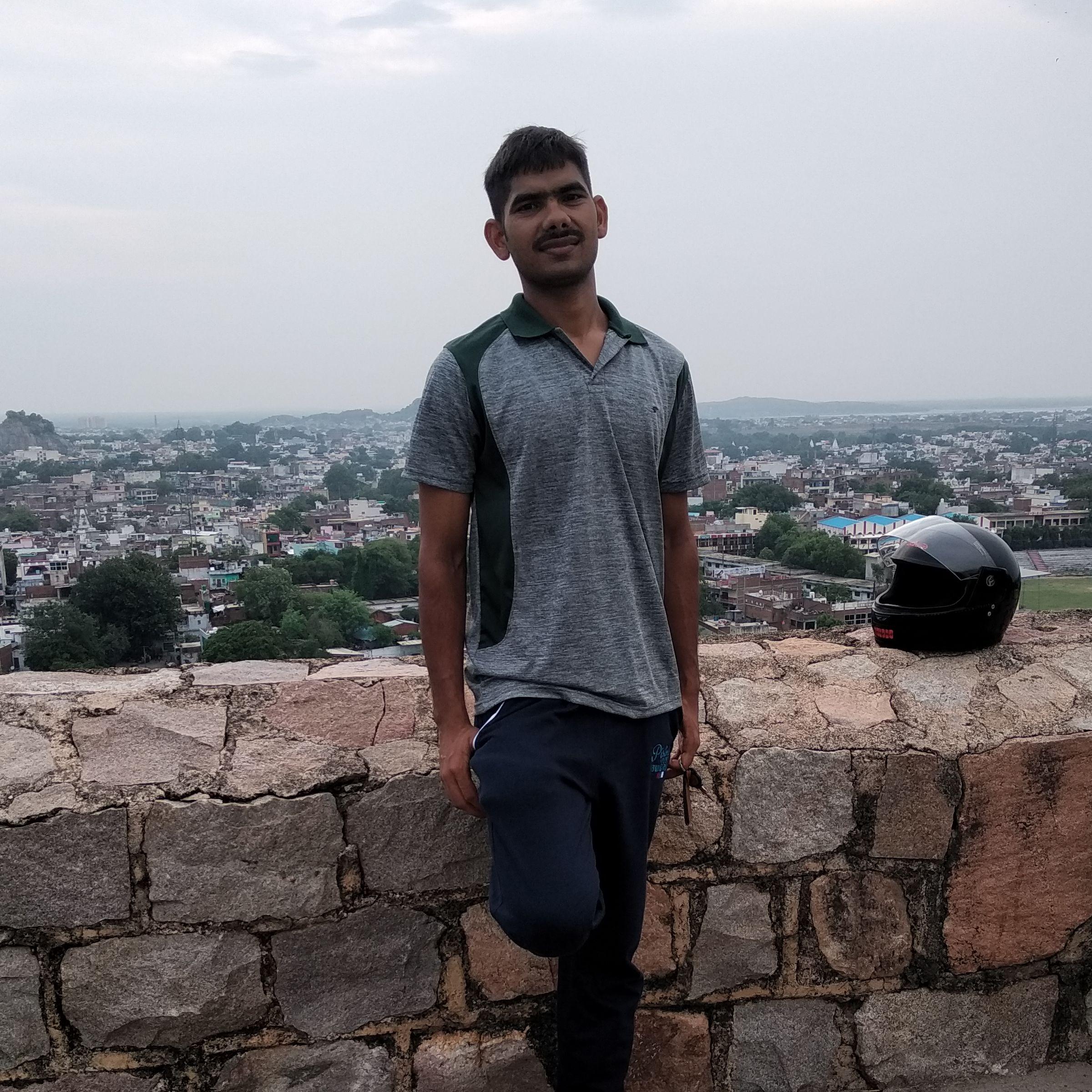 Adesh यादव